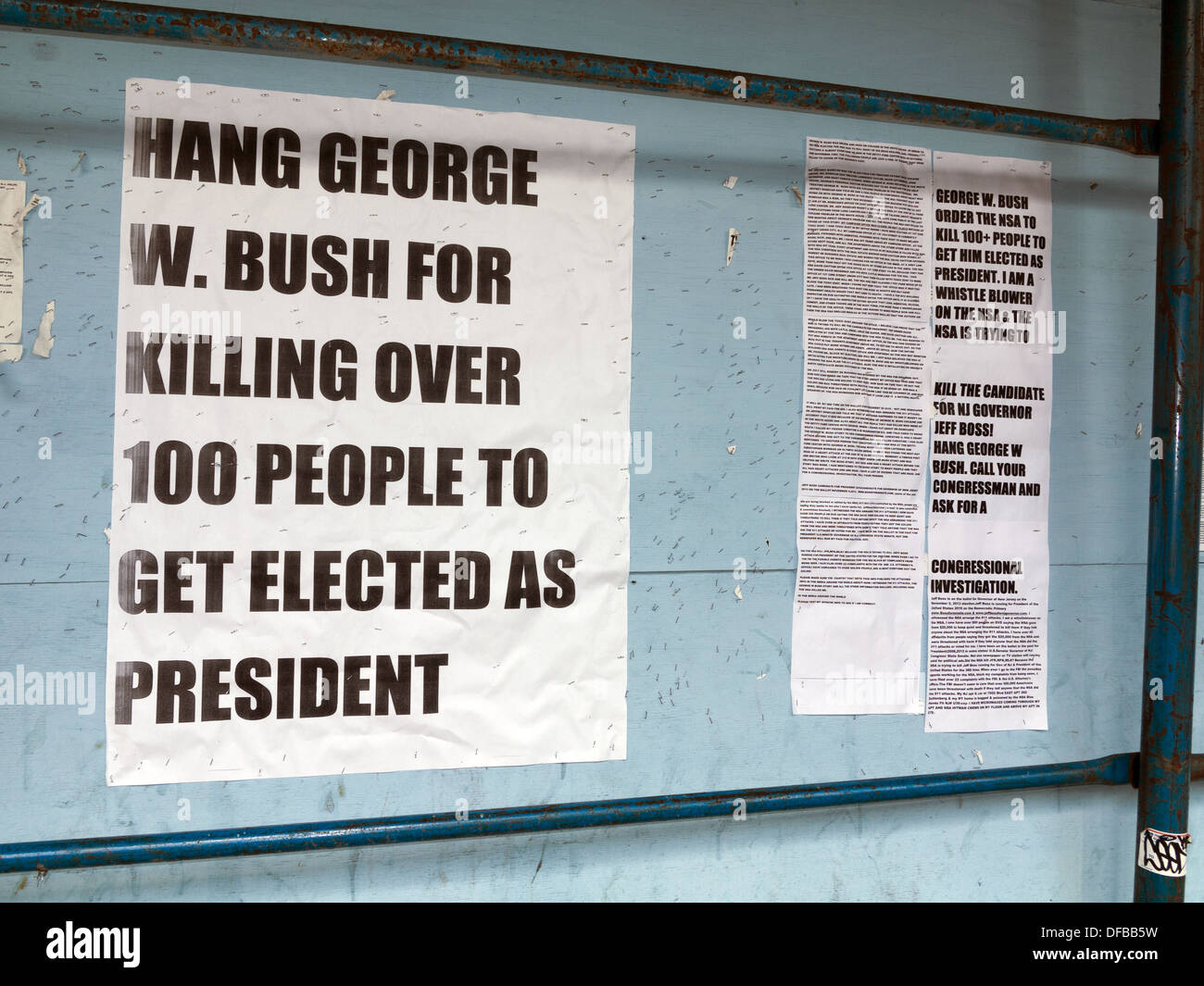 Incendiary, Anti-Bush propaganda on E.125th St. wall in the Harlem section of NYC, NY, 2013. - Stock Image