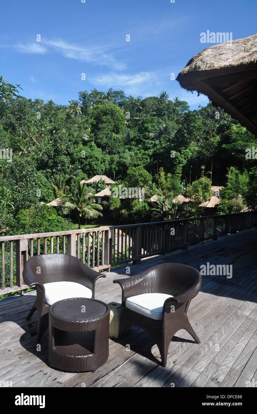 near Ubud (Bali, Indonesia): the Ubud Hanging Gardens Hotel´s bar - Stock Image