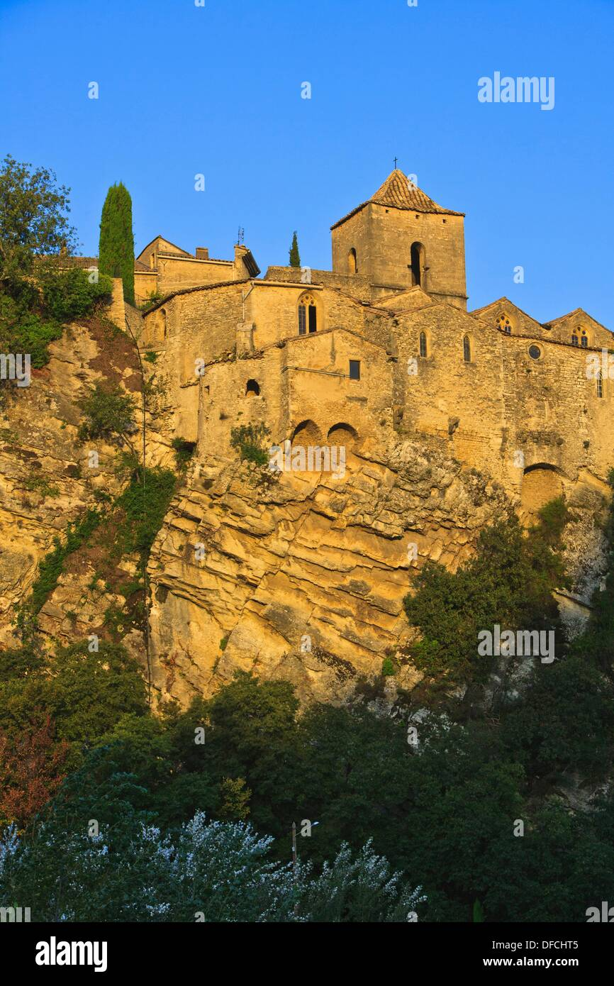 15th century church and buildings of the old town of Vaison la Romaine, Provence, France, Europe - Stock Image