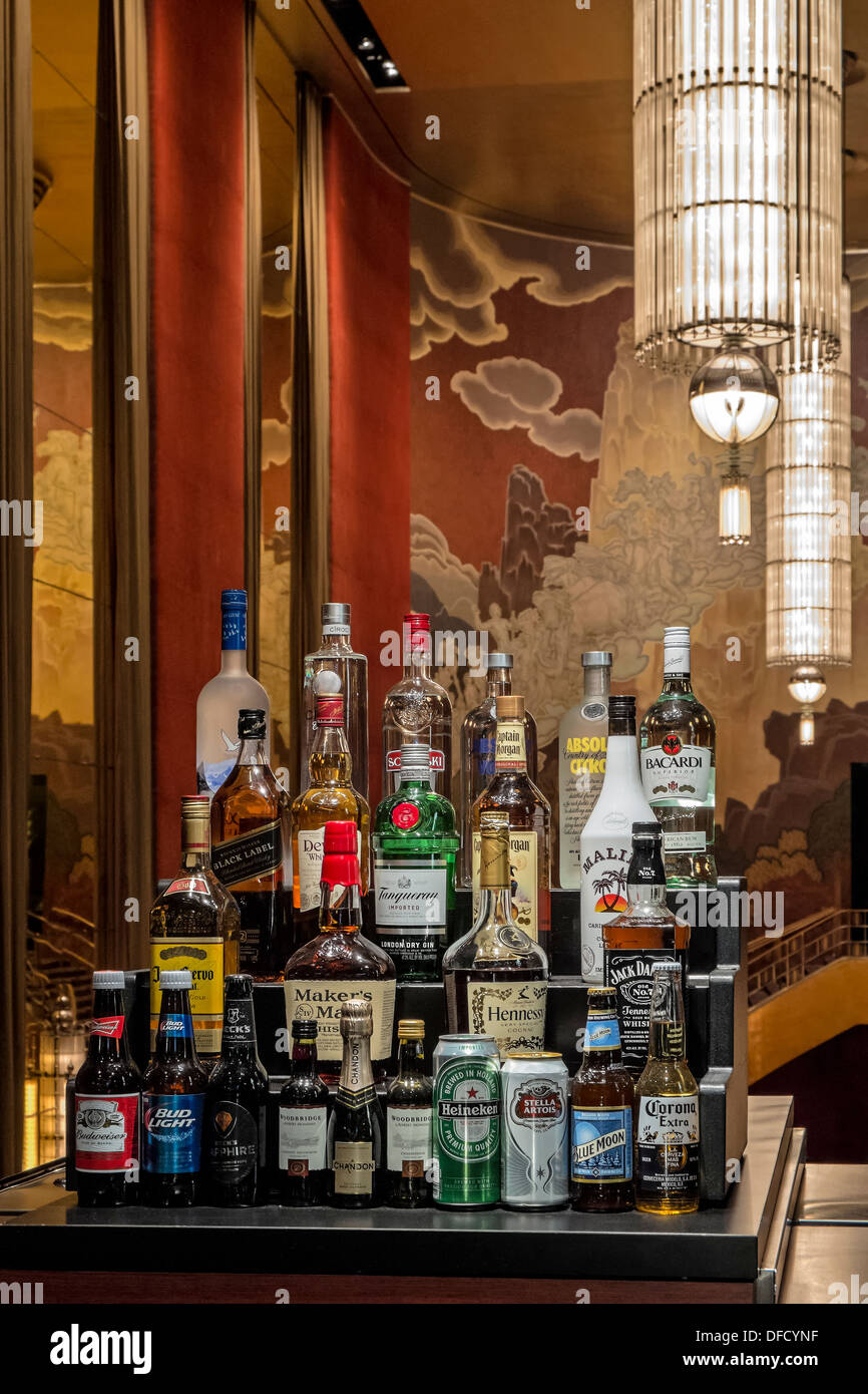 A look at the bar in the third mezzanine of the iconic Radio City Music Hall in New York City. - Stock Image