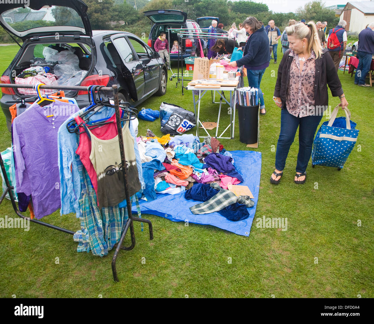 Second Hand Clothes Stock Photos & Second Hand Clothes Stock Images ...
