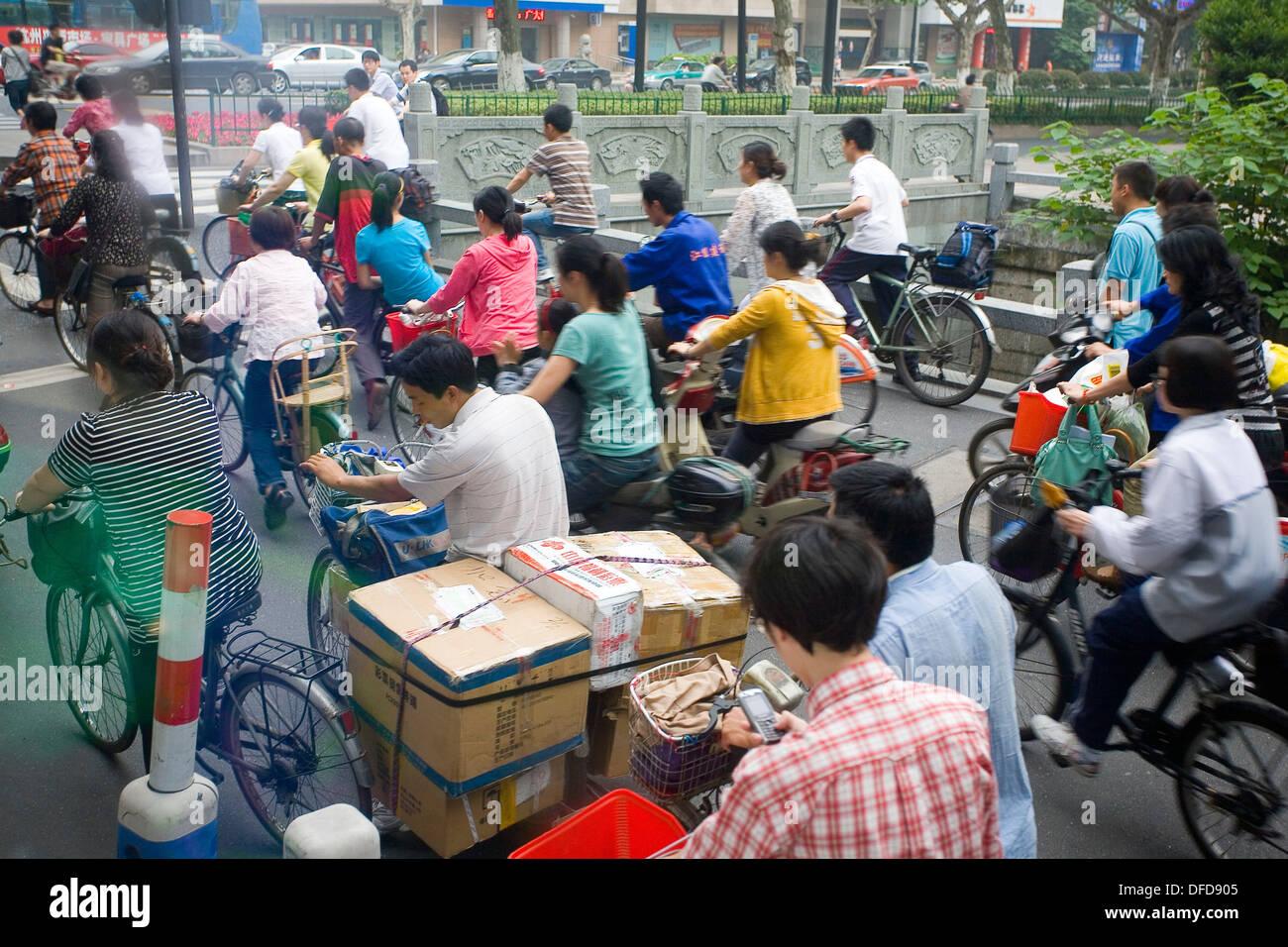 China, Hangzhou, two-wheeled transport - Stock Image