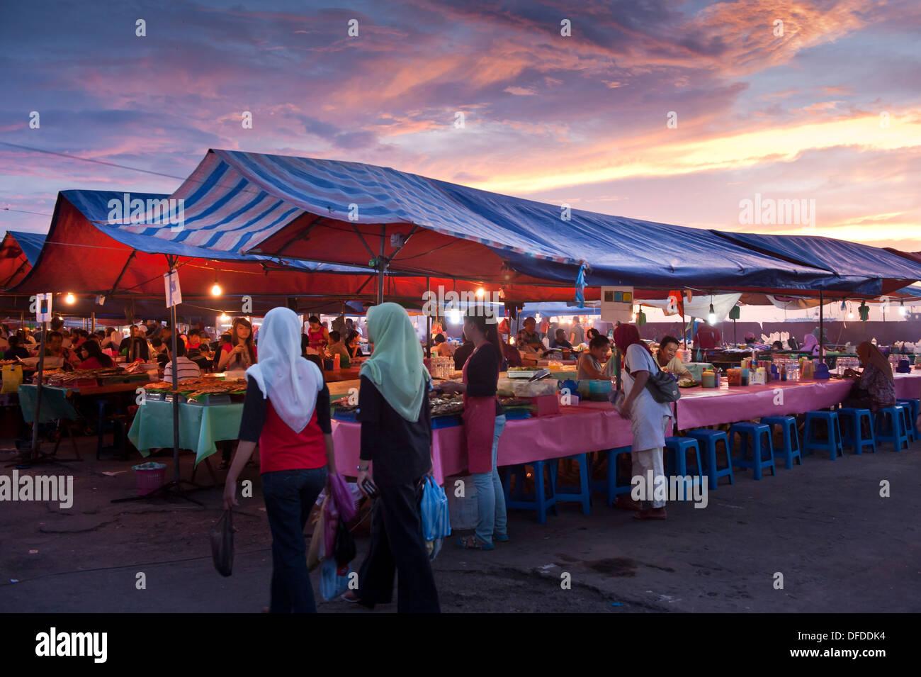Market at sunset, Kota Kinabalu, Malaysia - Stock Image