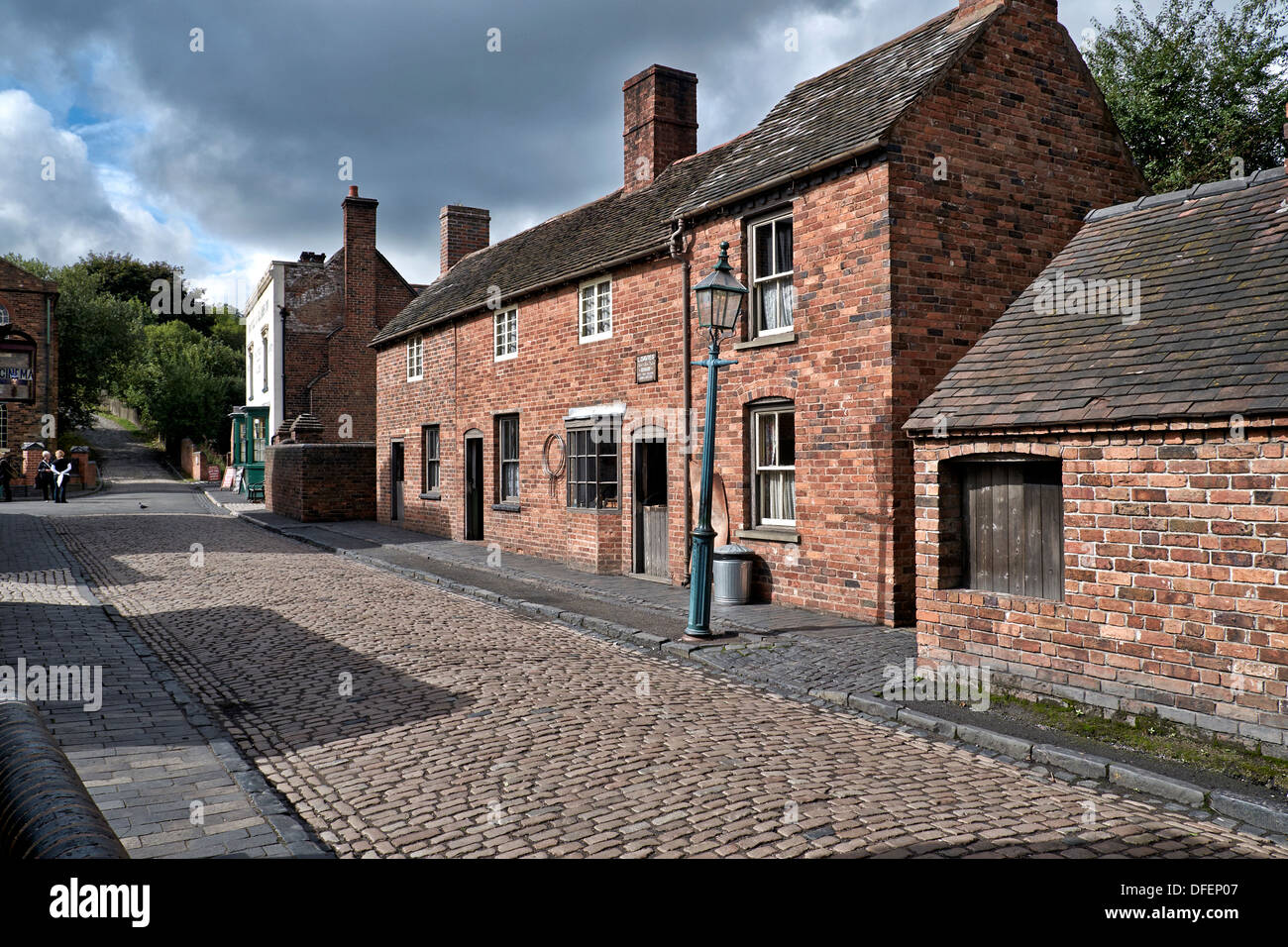 Back To Back Houses : Cobbled street and brick built terraced houses dating back