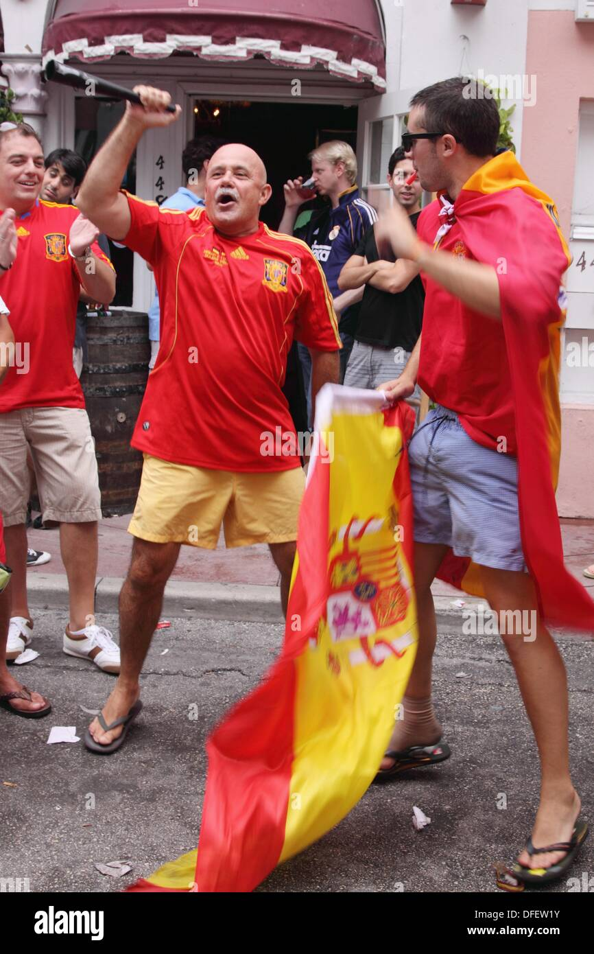 Amateur celebrating the victory of Spain vs Paraguay 2010 World Subafrica futball - Stock Image