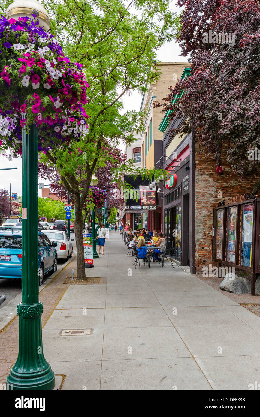 Cafe and shops on Sherman Avenue in downtown Coeur d'Alene, Idaho, USA - Stock Image