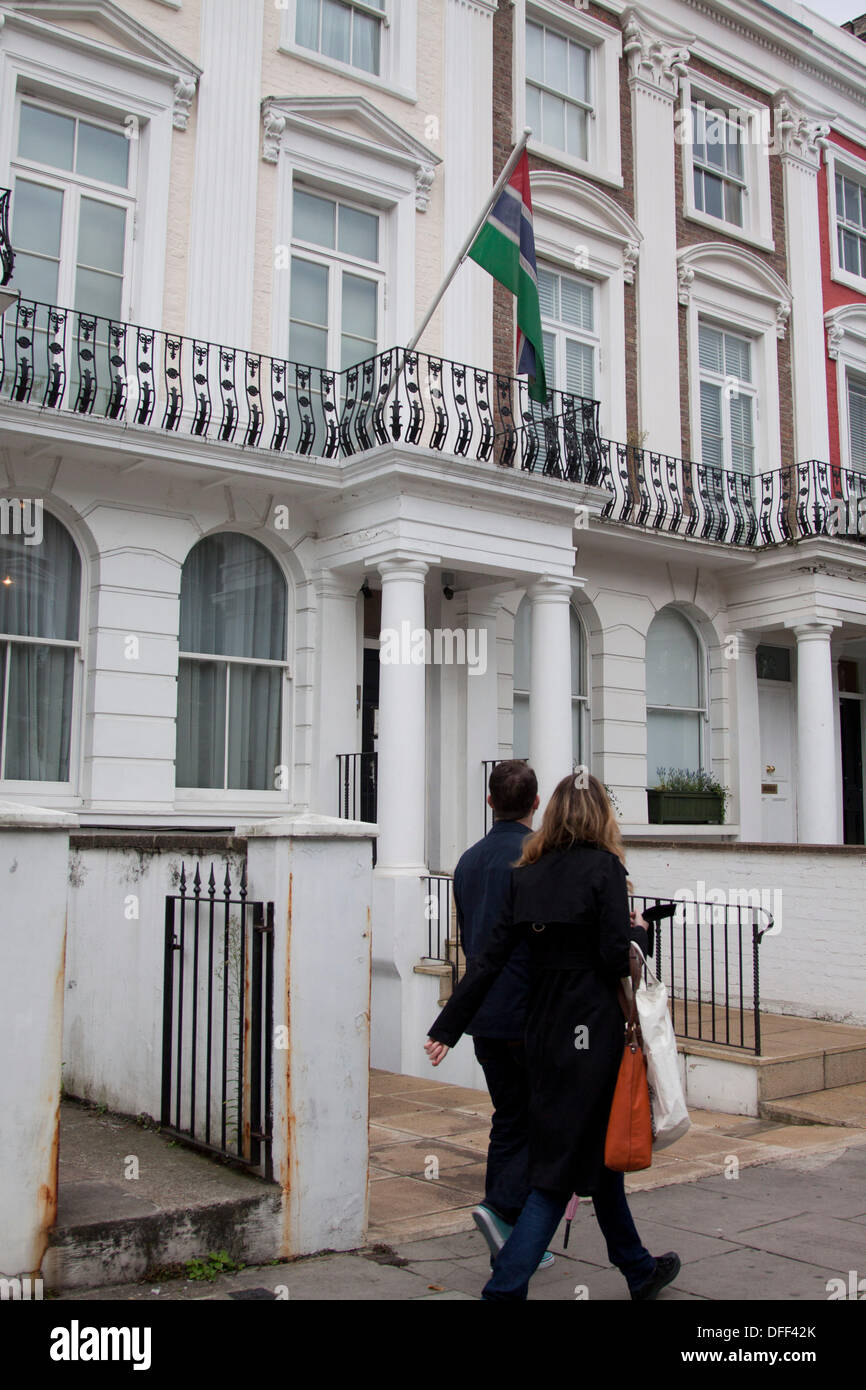 3rd October 2013. London UK.  People walk past the Gambia High Commission in London as the Gambian government announces its decision to withdraw from the commonwealth which it regards as a neo colonialist institution 48 years after it joined. Credit:  amer ghazzal/Alamy Live News - Stock Image