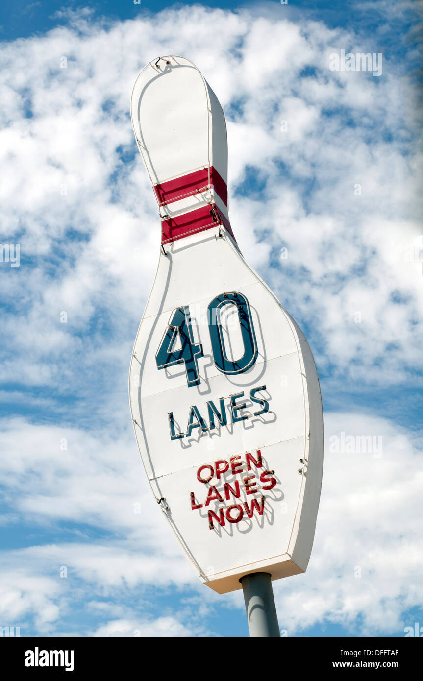 Great vintage Bowling Alley sign advertising 40 lanes available - Stock Image