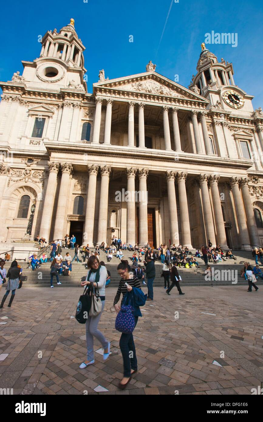 Saint Paul Cathedral ,XVII y XVIII Centuries  London  England  United Kingdom  UK. - Stock Image