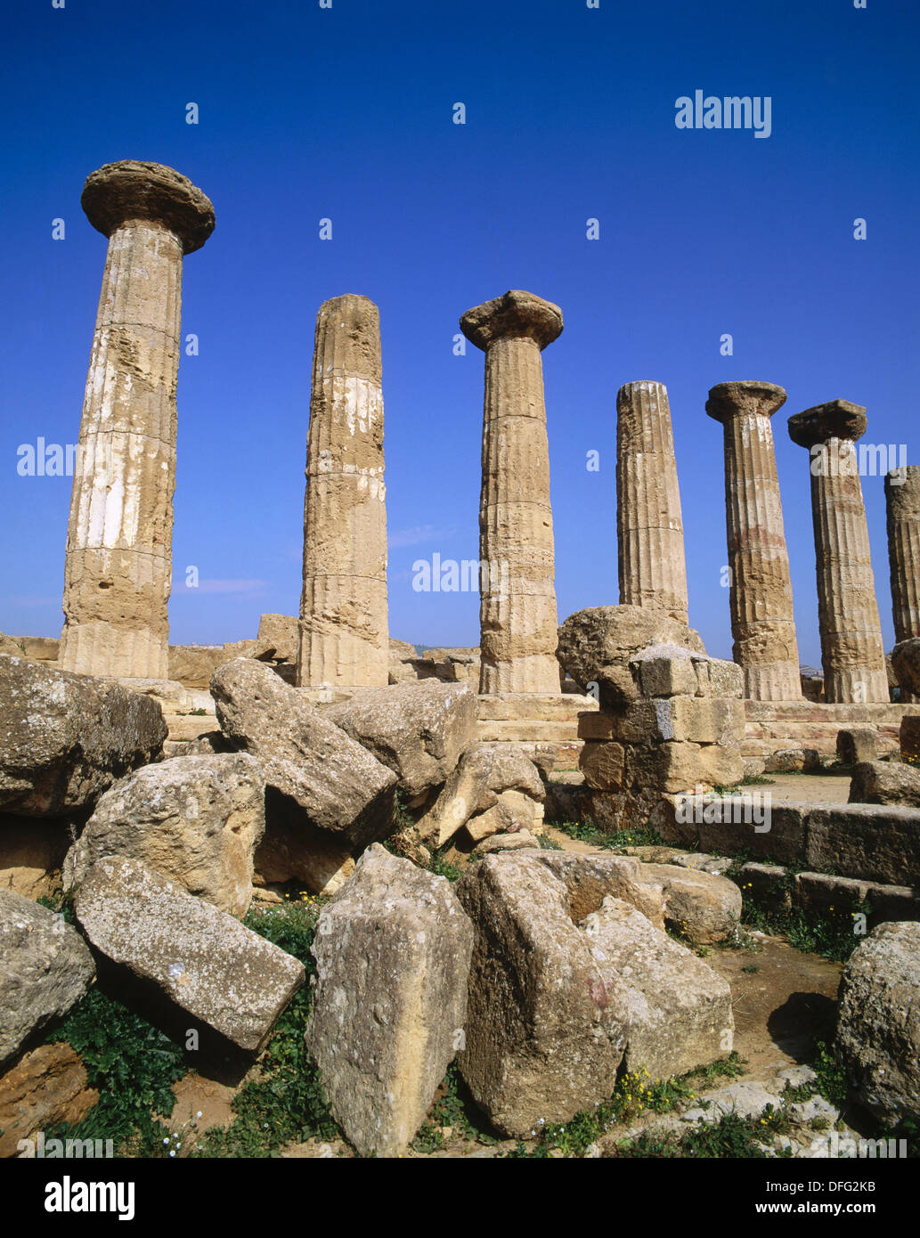 The Temple of Castor & Pollux (5th century BC), Valley of the Temples (Sicily´s Oldest Tourist Site), Agrigento. Sicily, Italy - Stock Image