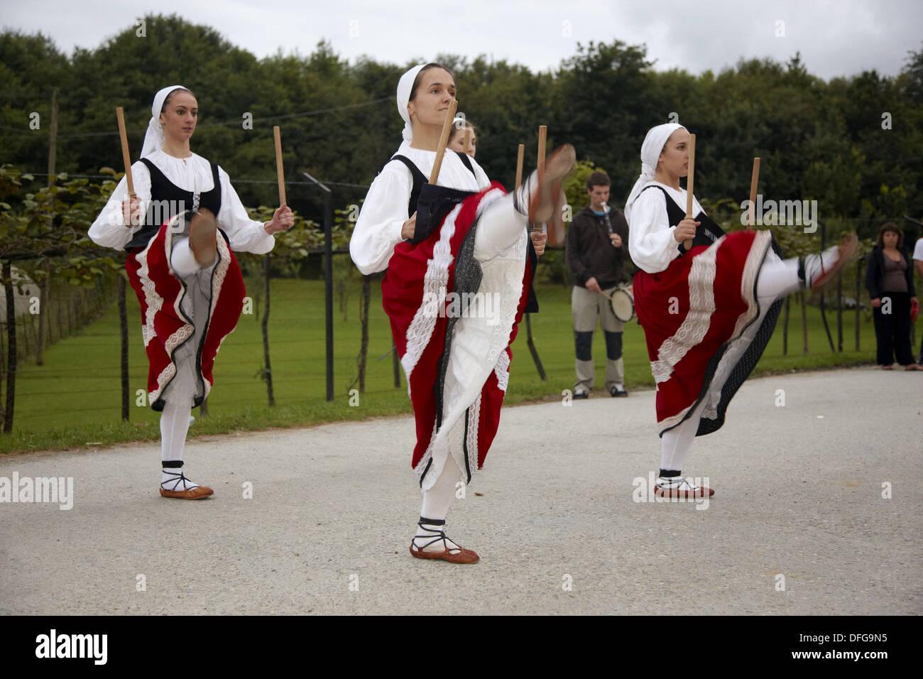 Folk dance, Hondarribia. Guipuzcoa, Basque Country, Spain - Stock Image