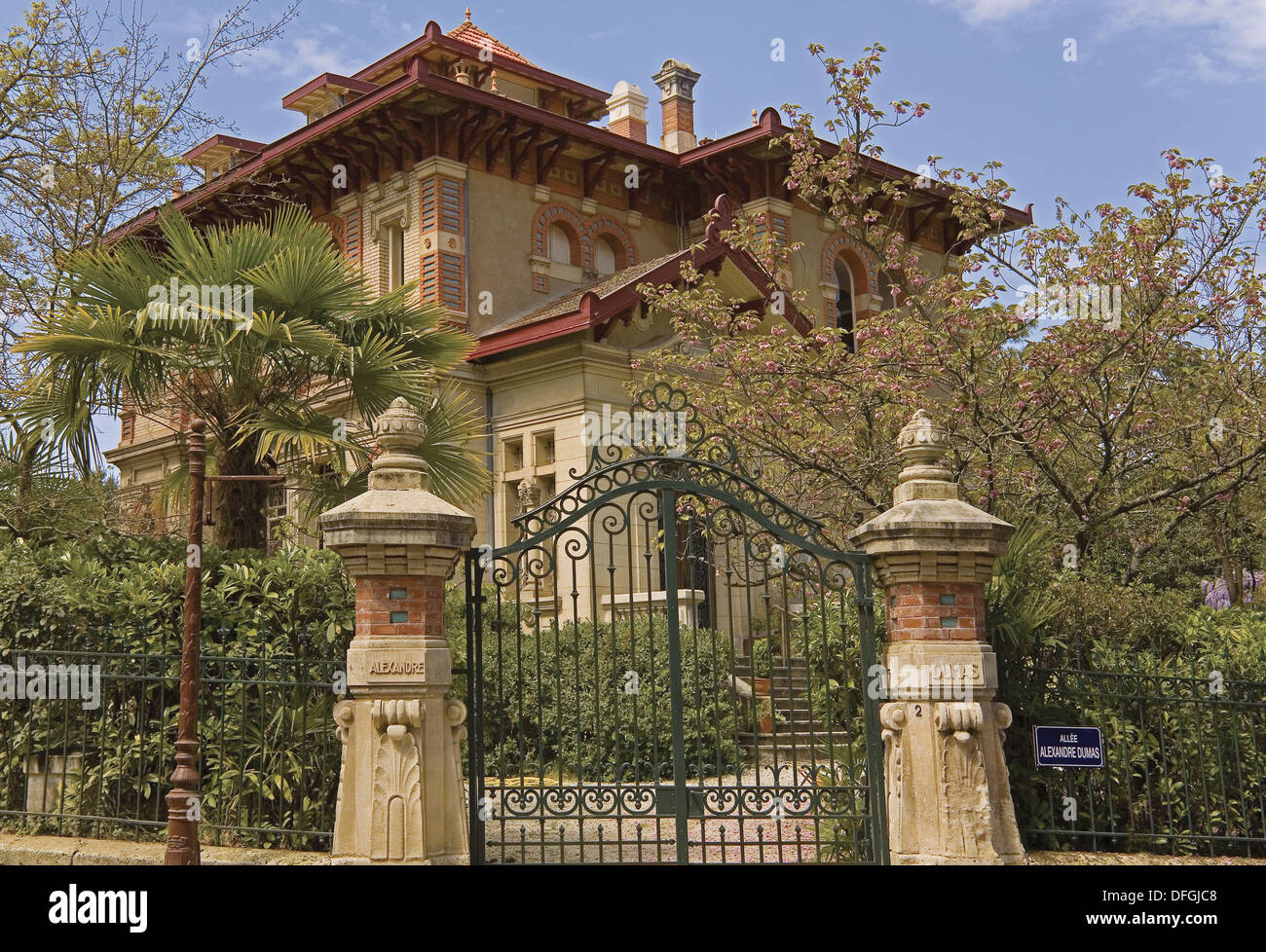 Arcachon Villa High Resolution Stock Photography And Images Alamy