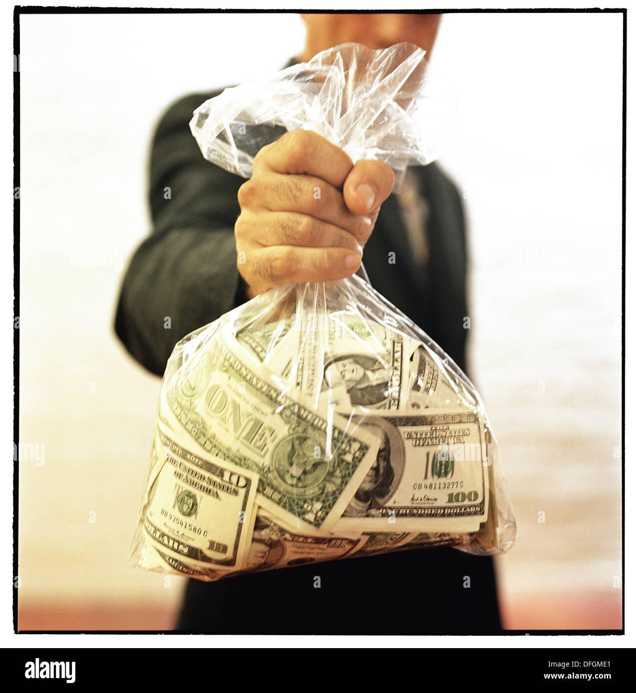 можно ли товарный займ вернуть деньгами
