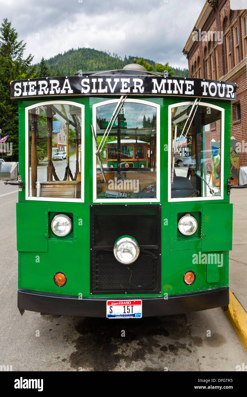 Sierra Silver Mine Tour trolley, Bank Street (Main Street) in the historic old silver mining town of Wallace, Idaho, USA - Stock Image