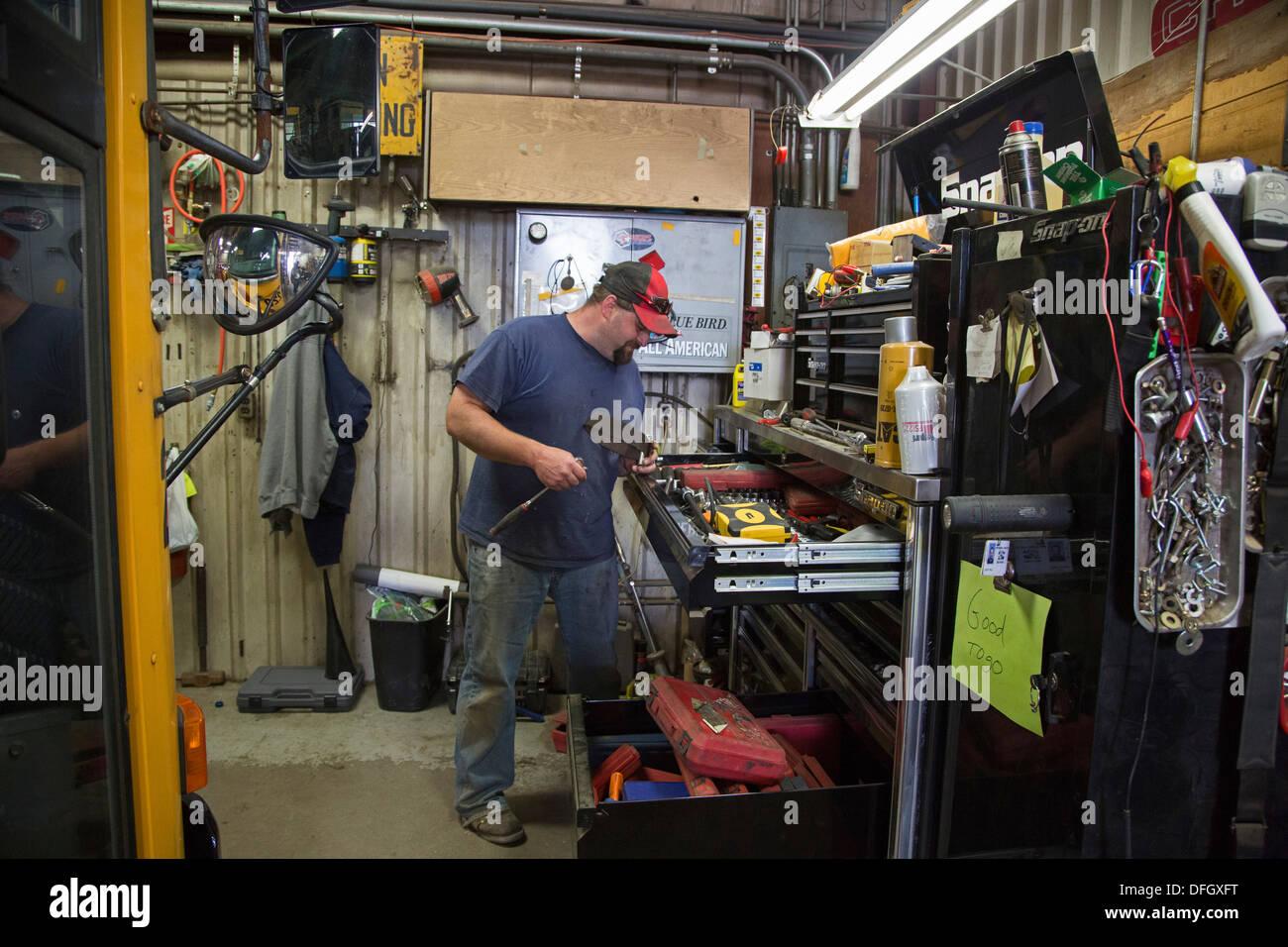 school bus mechanic