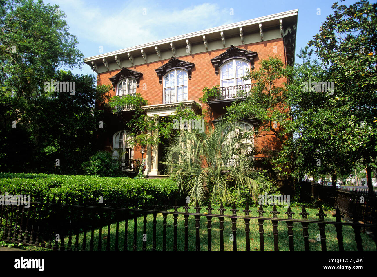 the mercer house was made famous by the best selling book midnight in the - Midnight In The Garden Of Good And Evil Book