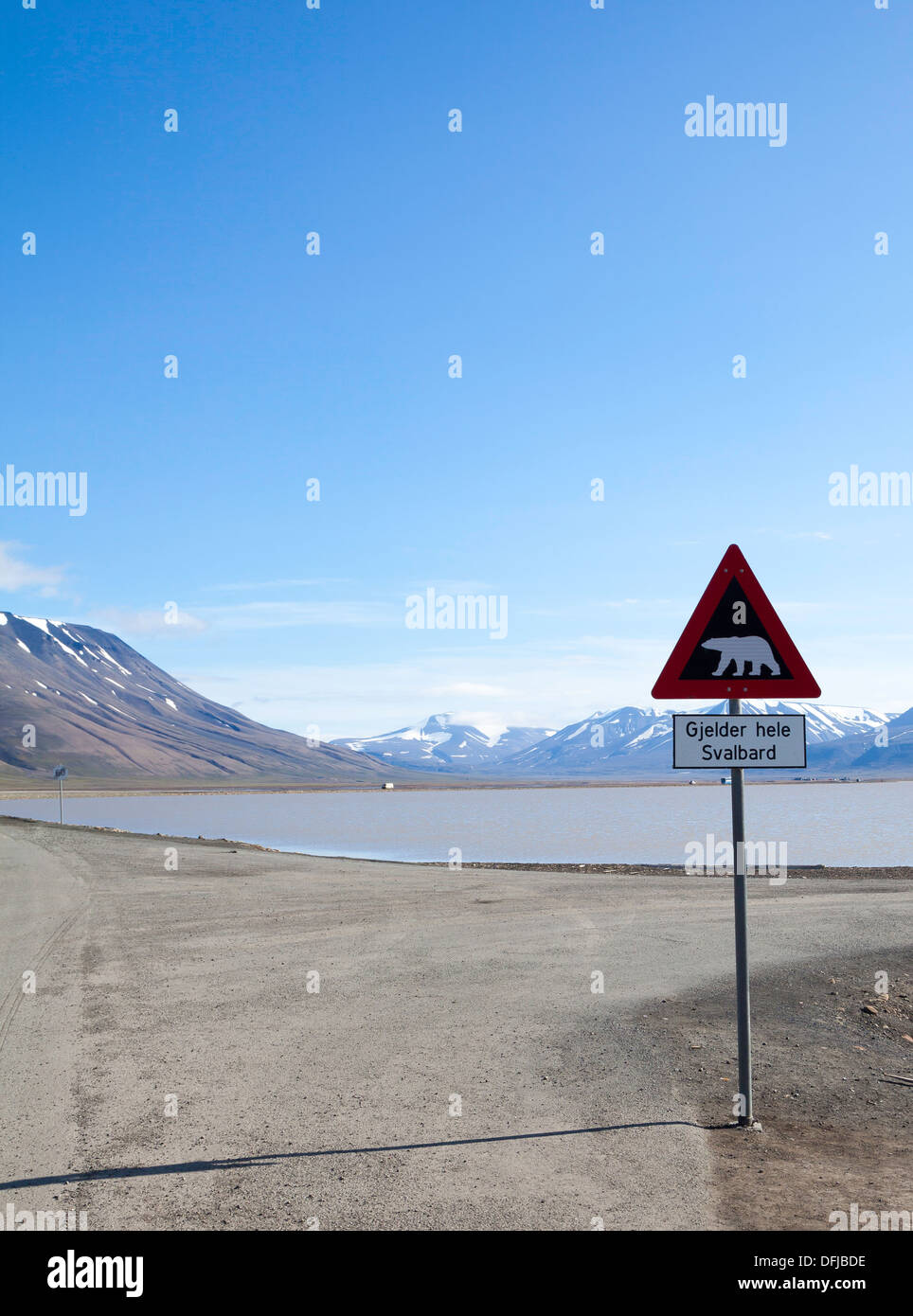 Polar bear roadsign on the road leading out of Longyearbyen, Spitsbergen, Noway - Stock Image