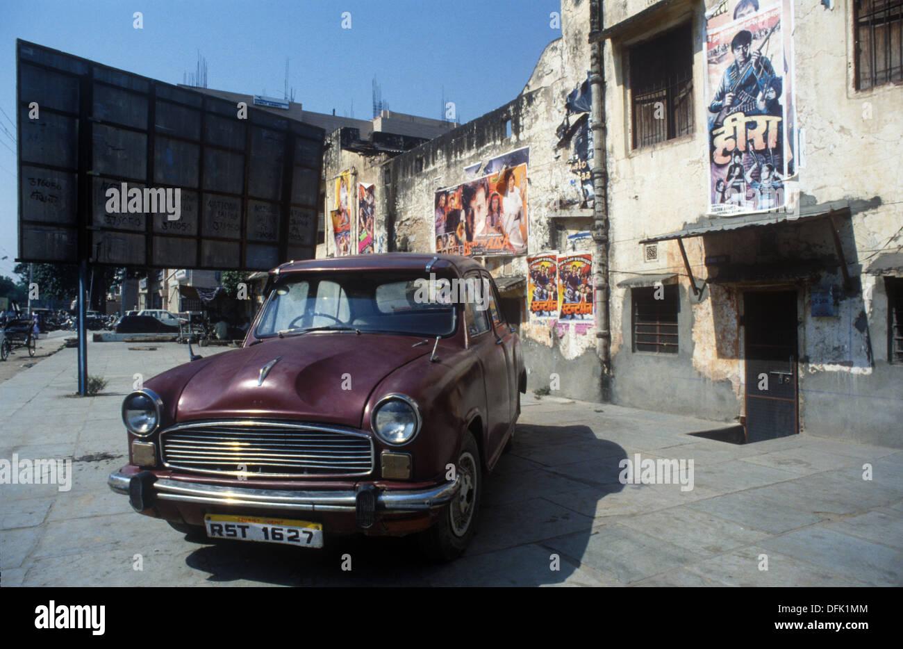 A Hindustan Ambassador car in Jaipur, Rajasthan, India - Stock Image