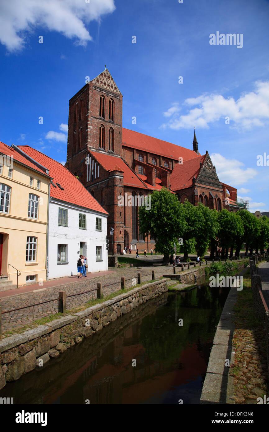 Wismar, St. Nikolai church at river Grube, Baltic Sea, Mecklenburg West Pomerania, Germany - Stock Image