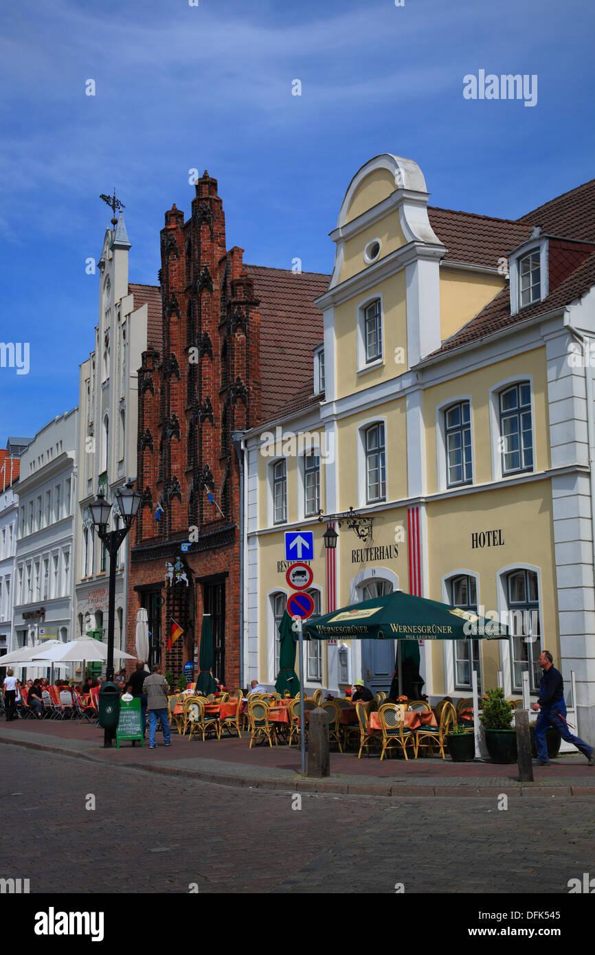 Old Houses at market square, Wismar, Mecklenburg West Pomerania, Germany - Stock Image