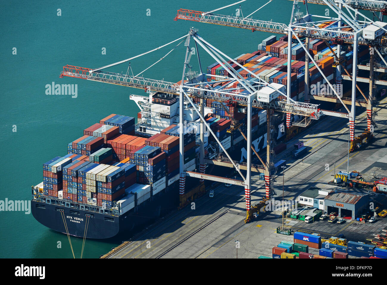 Aerial photograph of a Ship at Southampton Docks - Stock Image