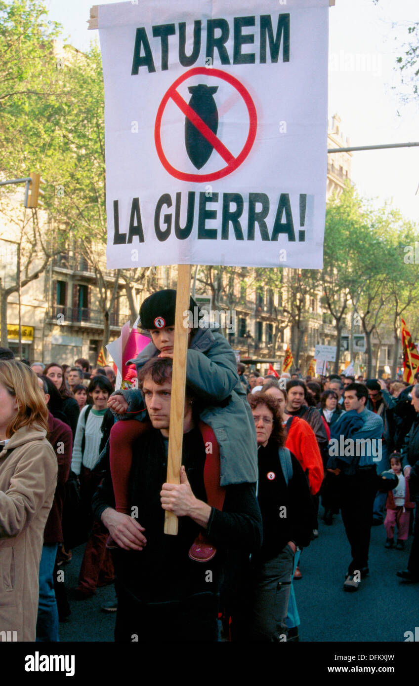 Demostration against the war in Irak. Barcelona, April 2003. Spain - Stock Image