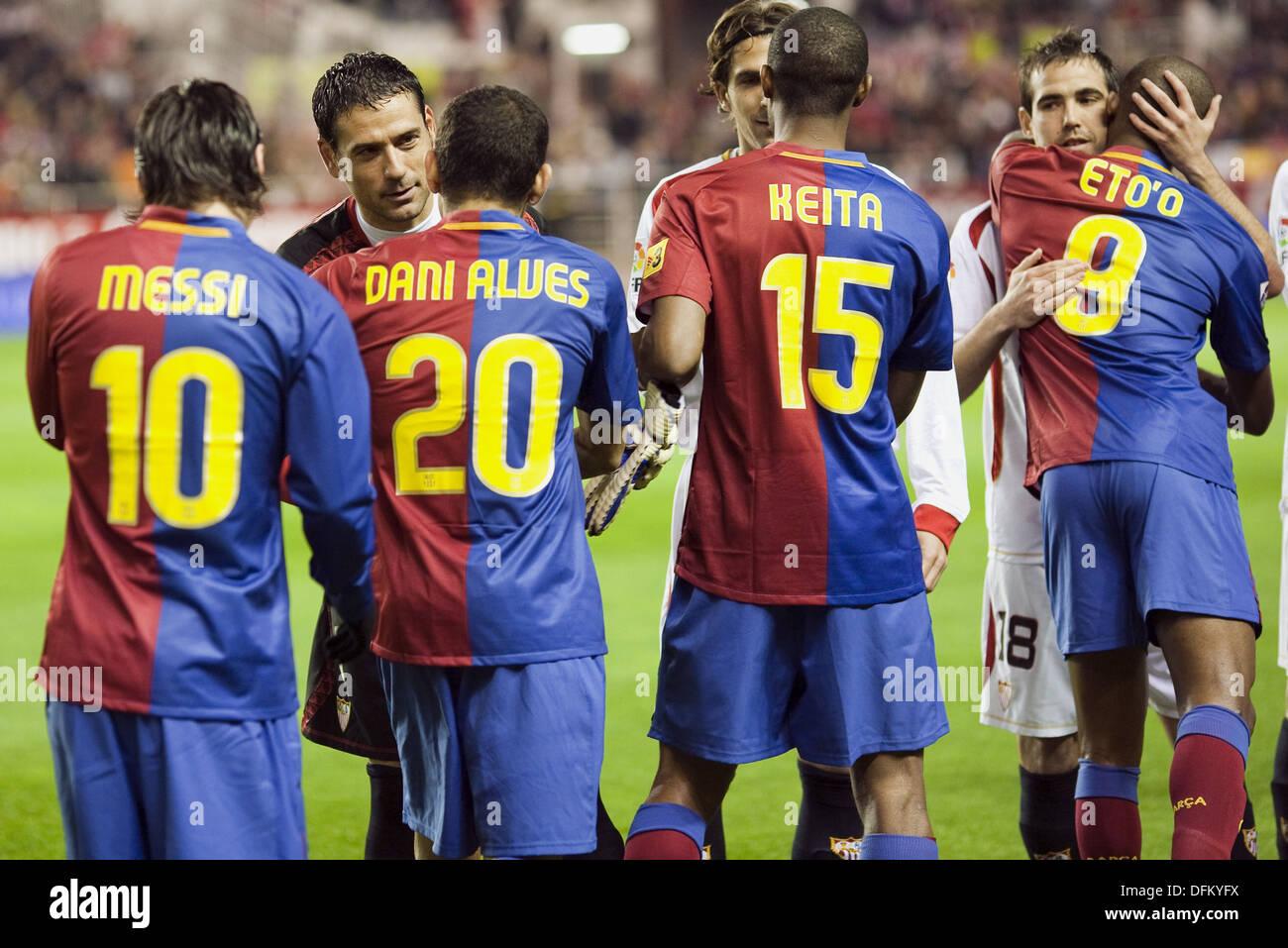 00af000ed51 Spanish League 2008-09 (november 29, 2008): Sevilla FC vs. FC Barcelona.  Estadio Ramón Sánchez Pizjuán. Players greet each