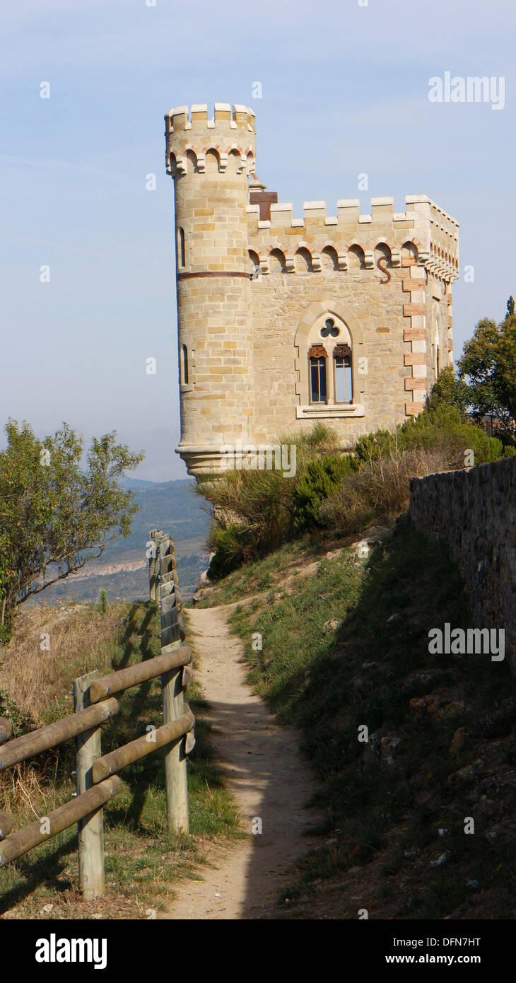 Tour Magdala : Magdala tower,  dominating Rennes le Chateau, Aude, Languedoc, France.  138793_Rennes - Stock Image