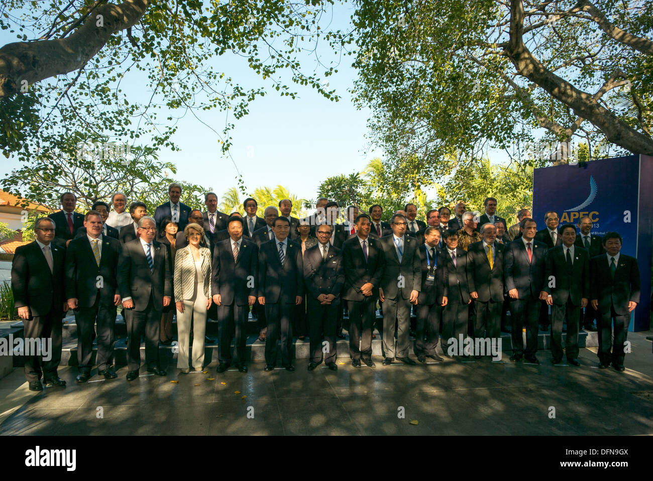 Secretary Kerry Poses for APEC Ministerial Meeting Family Photo - Stock Image