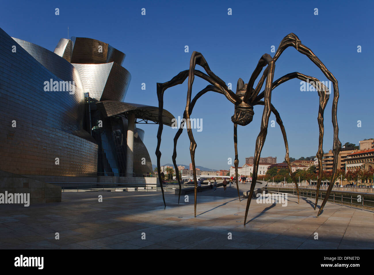 Sculpture Mama spider in front of the Guggenheim Museum of modern and contemporary art, Bilbao, Province of Biskaia, Basque Coun Stock Photo