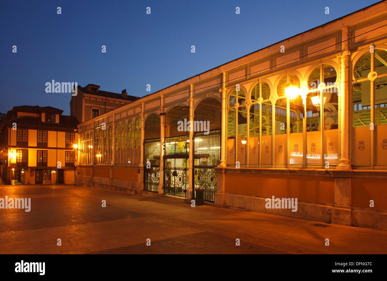 Market hall, Plaza de la Constitucion, Oviedo, Camino Primitivo, Camino de Santiago, Way of St. James, pilgrims way, province of - Stock Image
