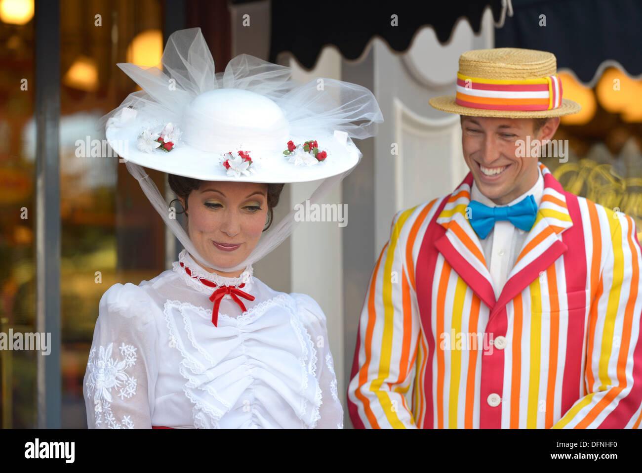 Mary Poppins and Bert characters, Disneyland Resort, California Anaheim - Stock Image