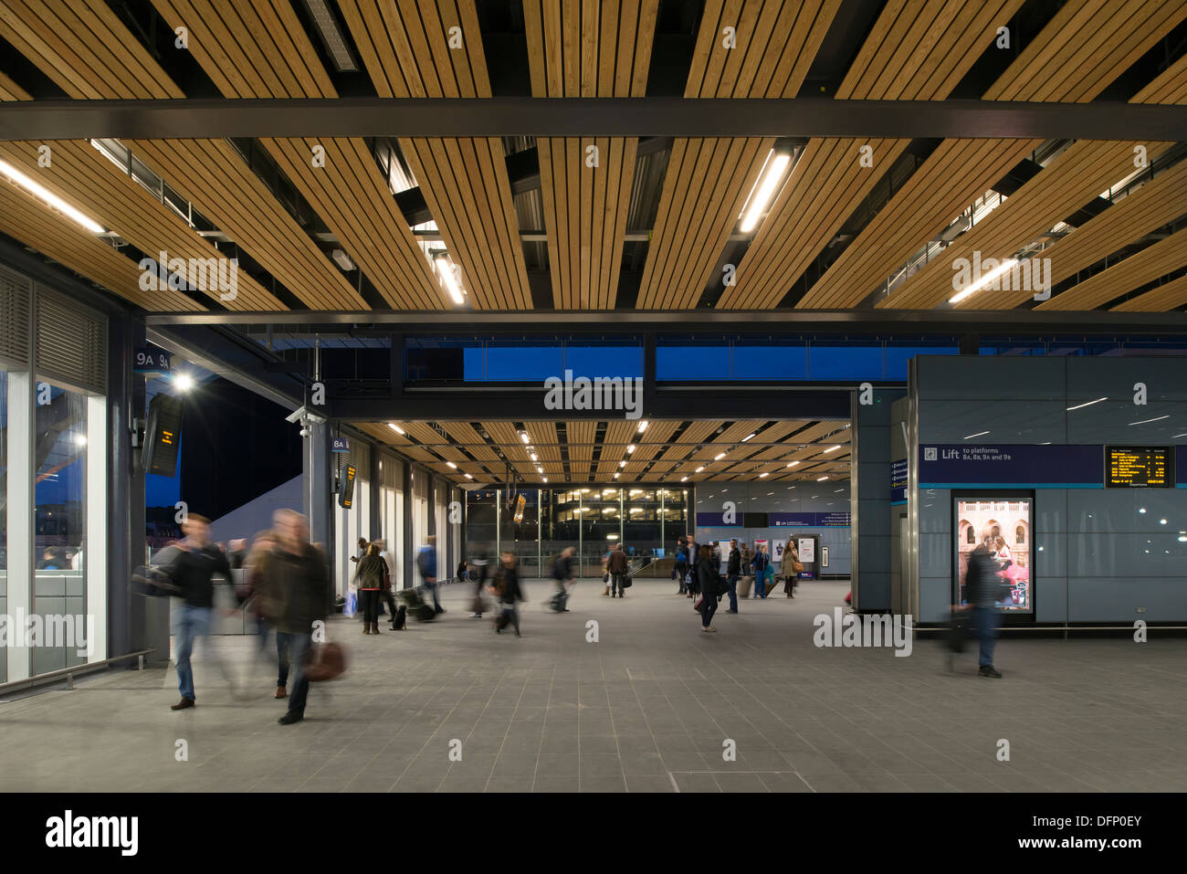 Reading Train Station, Reading, United Kingdom. Architect: Grimshaw, 2015. View through glazed transfer deck. Stock Photo
