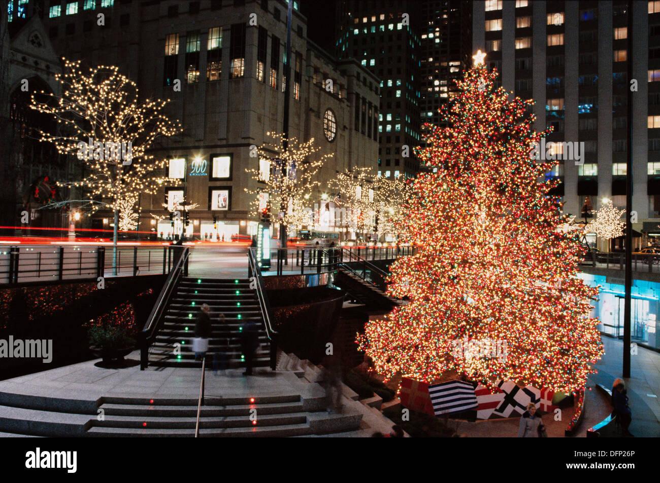 John Hancock Center, Christmas And Holiday Lights. Chicago. USA   Stock  Image
