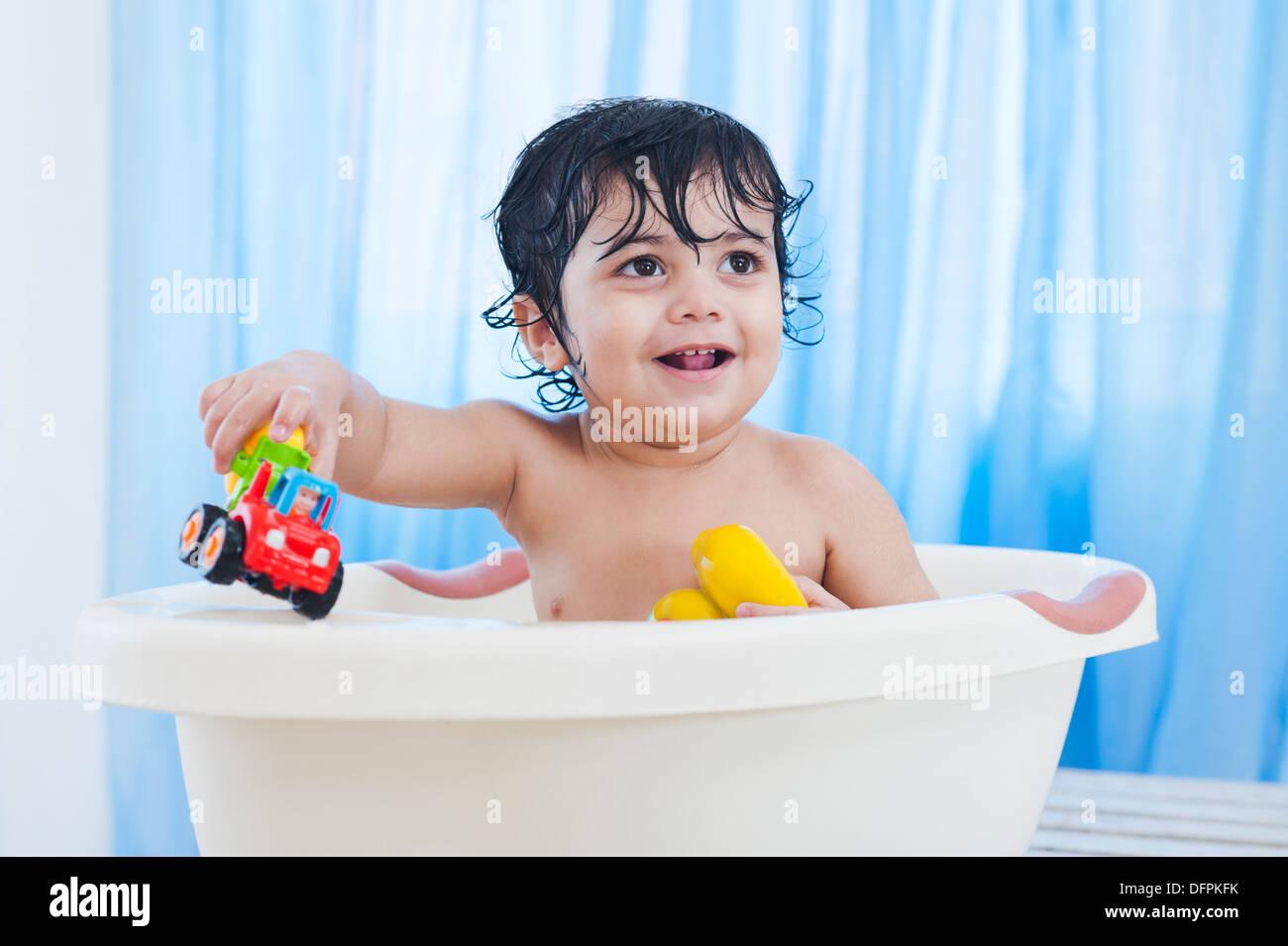 Indian Baby Bathing Stock Photos & Indian Baby Bathing Stock Images ...