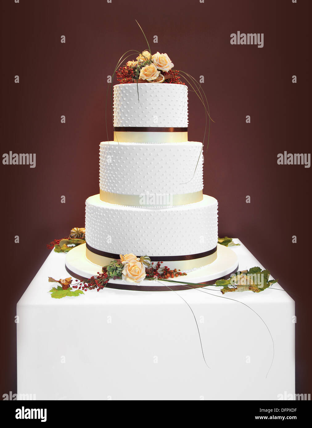 Big white wedding cake decorated with flowers Stock Photo: 61354651 ...