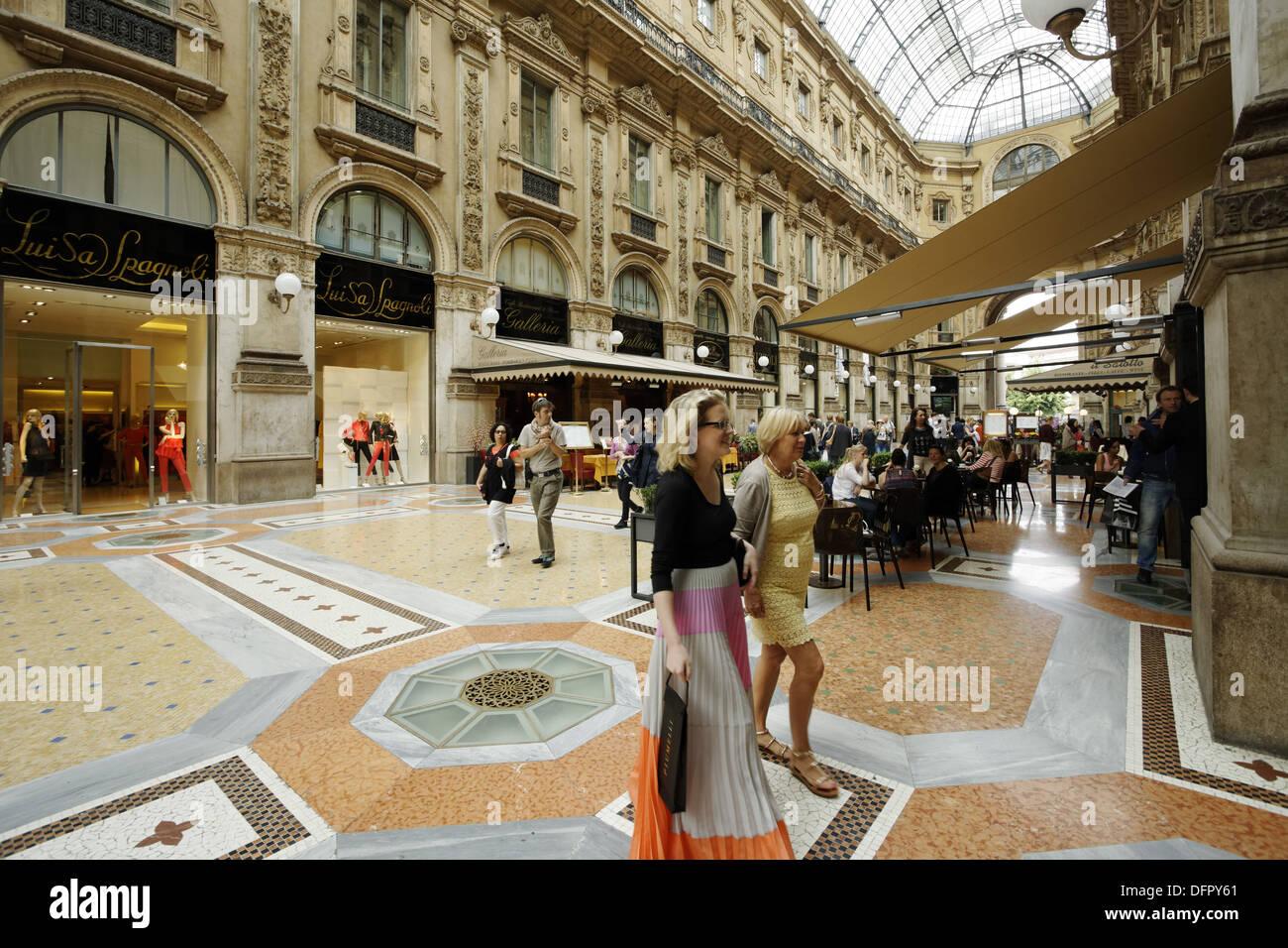 Italy Lombardy Milan Gallery Vittorio Emanuele Ii Shopping Stock Photo Alamy