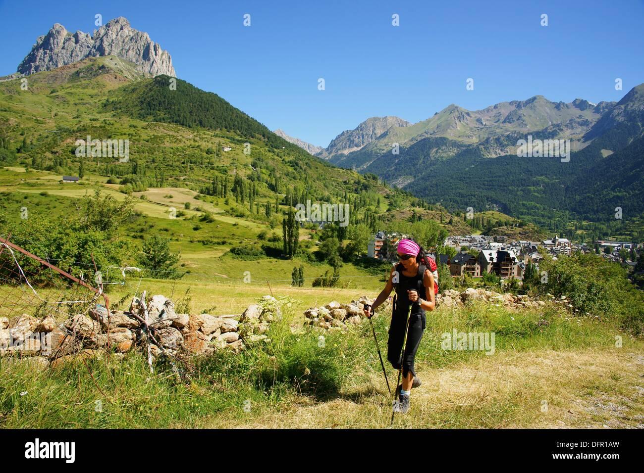 Valle de Tena walker Huesca Pyrenees Pyrenees Mountains Spain Stock Photo