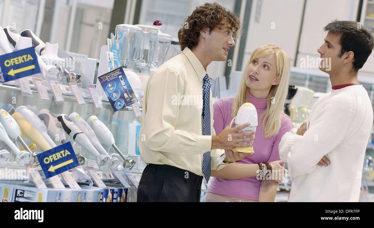 Couple shopping kitchen appliances Stock Photo: 61361770 - Alamy