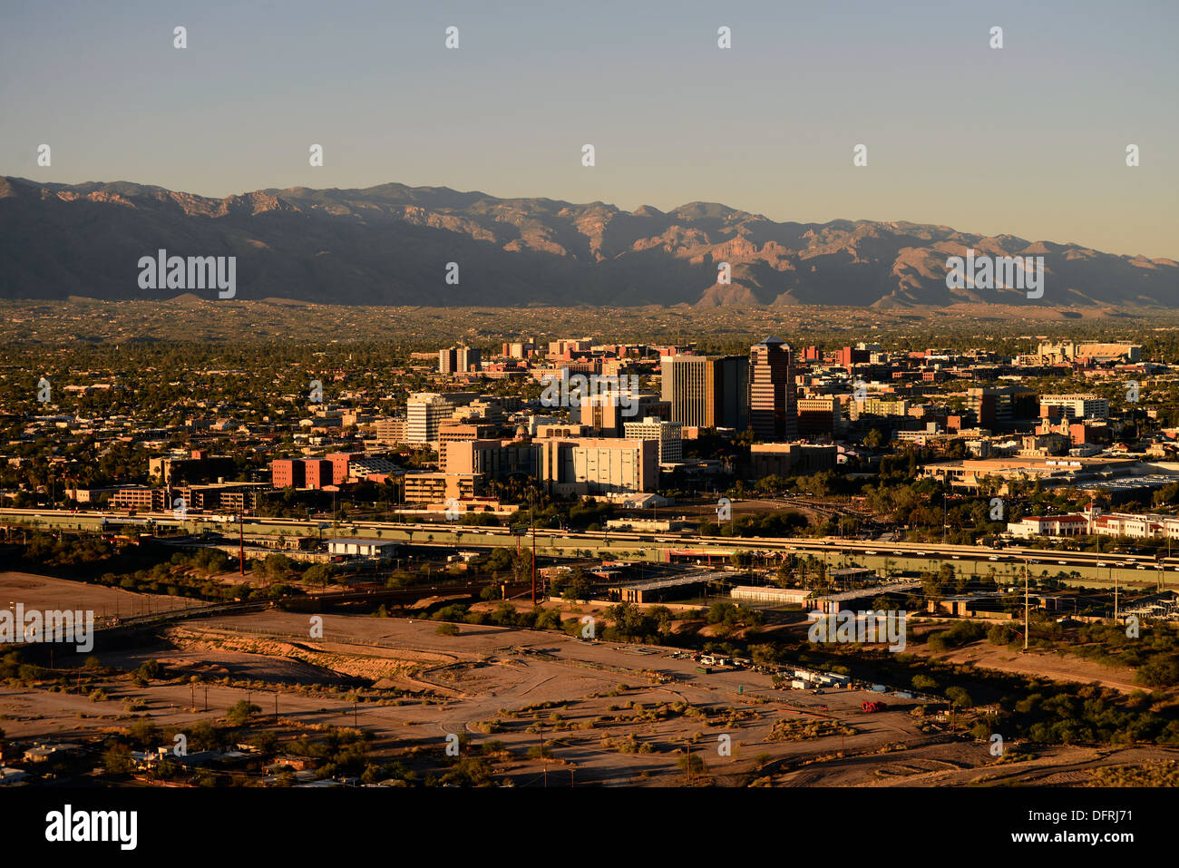 Tucson, Arizona, USA, with the Santa Catalina Mountains in the Coronado National Forest, Sonoran Desert. - Stock Image