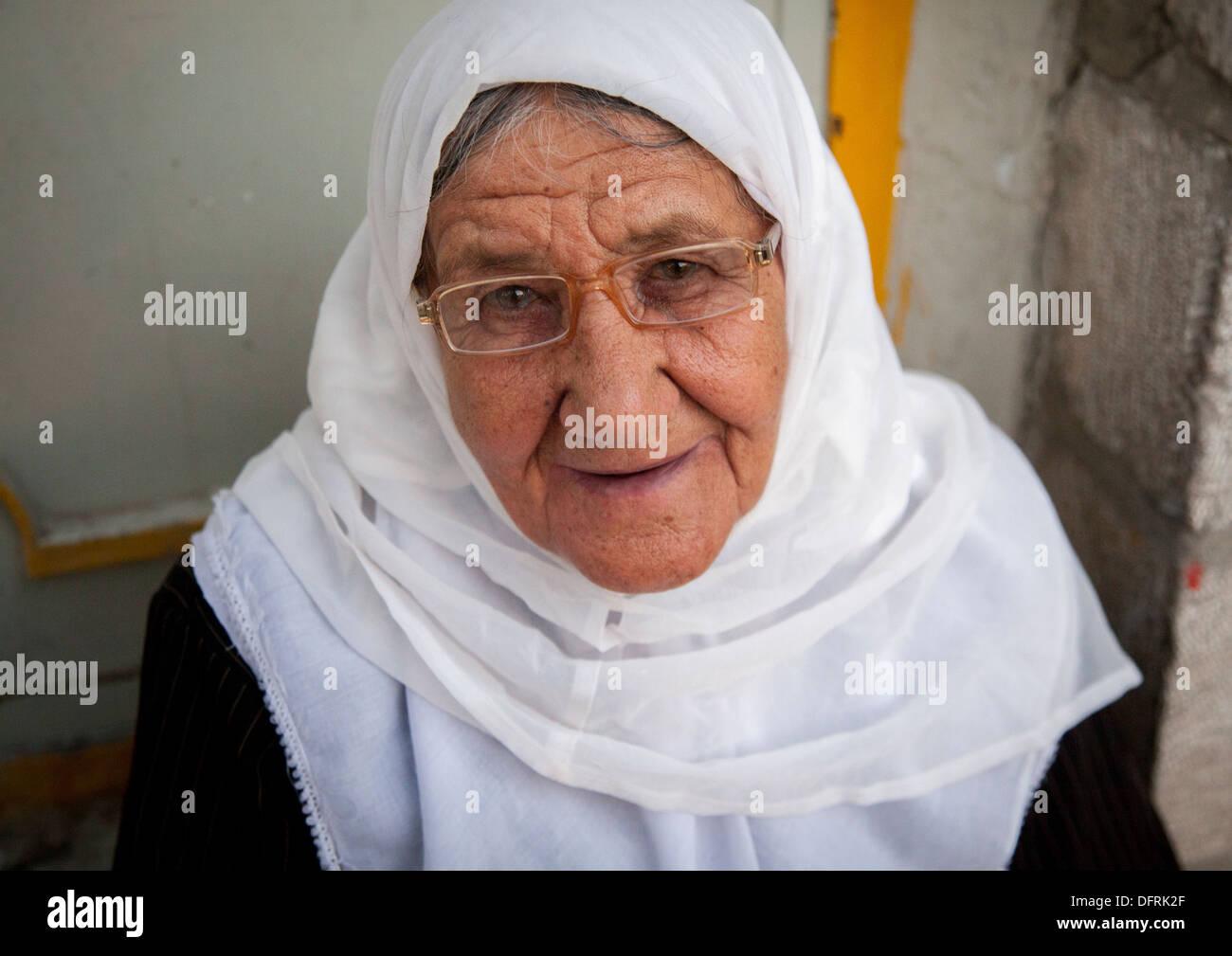 Kurdish Woman Stock Photos Kurdish Woman Stock Images Alamy
