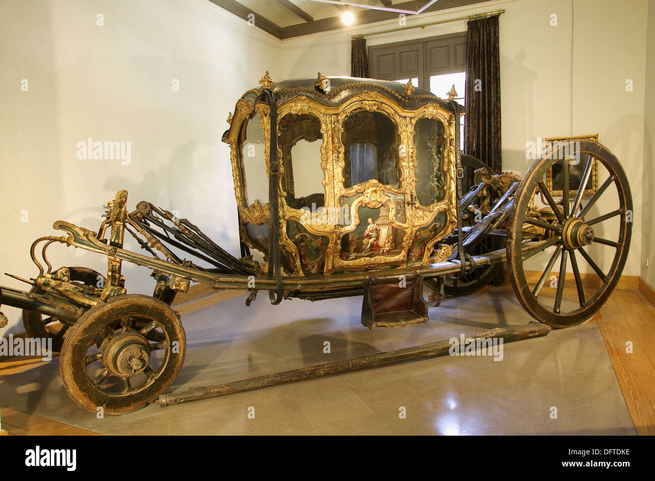 Carriage berlina xviiith century baroque rococo style for Carriage style