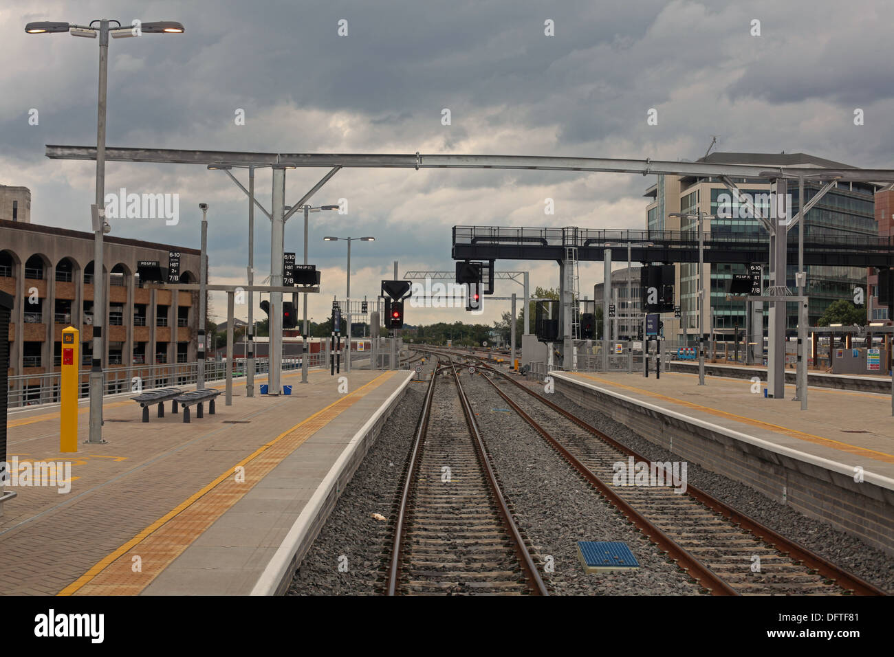 Drivers eye view of the new signals and platforms at Reading station with all signals showing Red aspects. - Stock Image