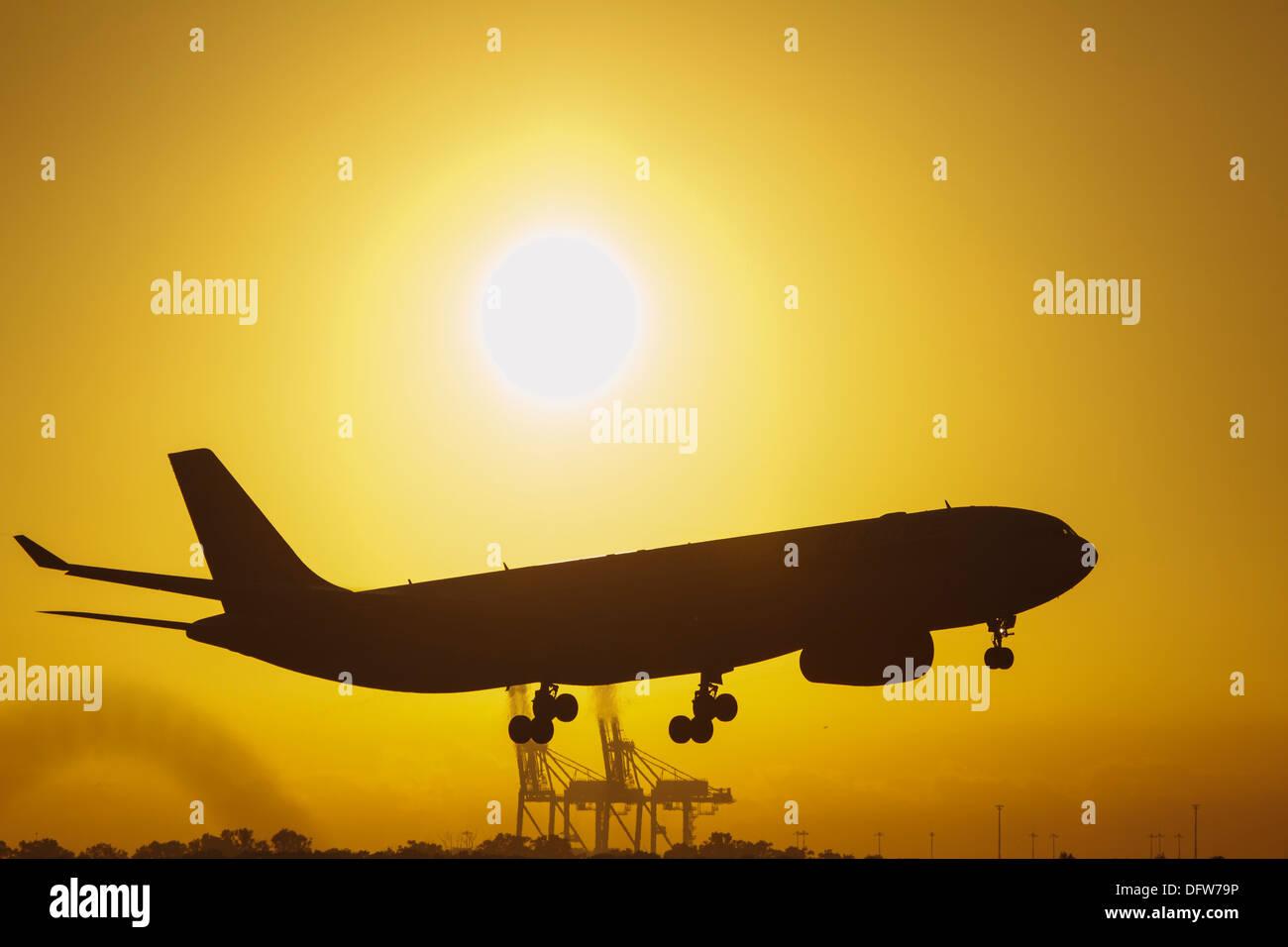 Aircraft landing at Brisbane Airport ...