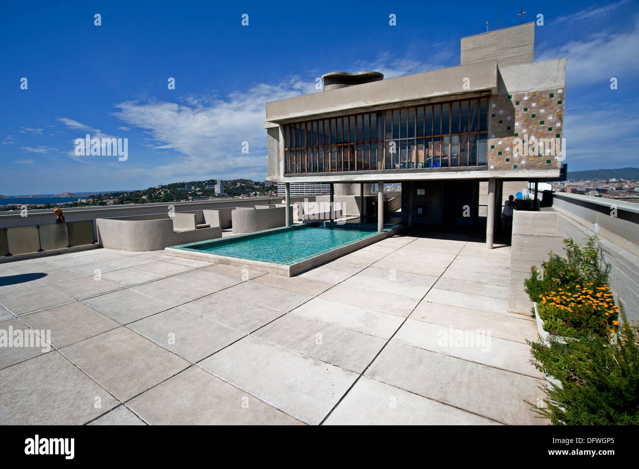 The roof top view of water and terrace on the modernist residential housing The Unité d'Habitation designed - Stock Image
