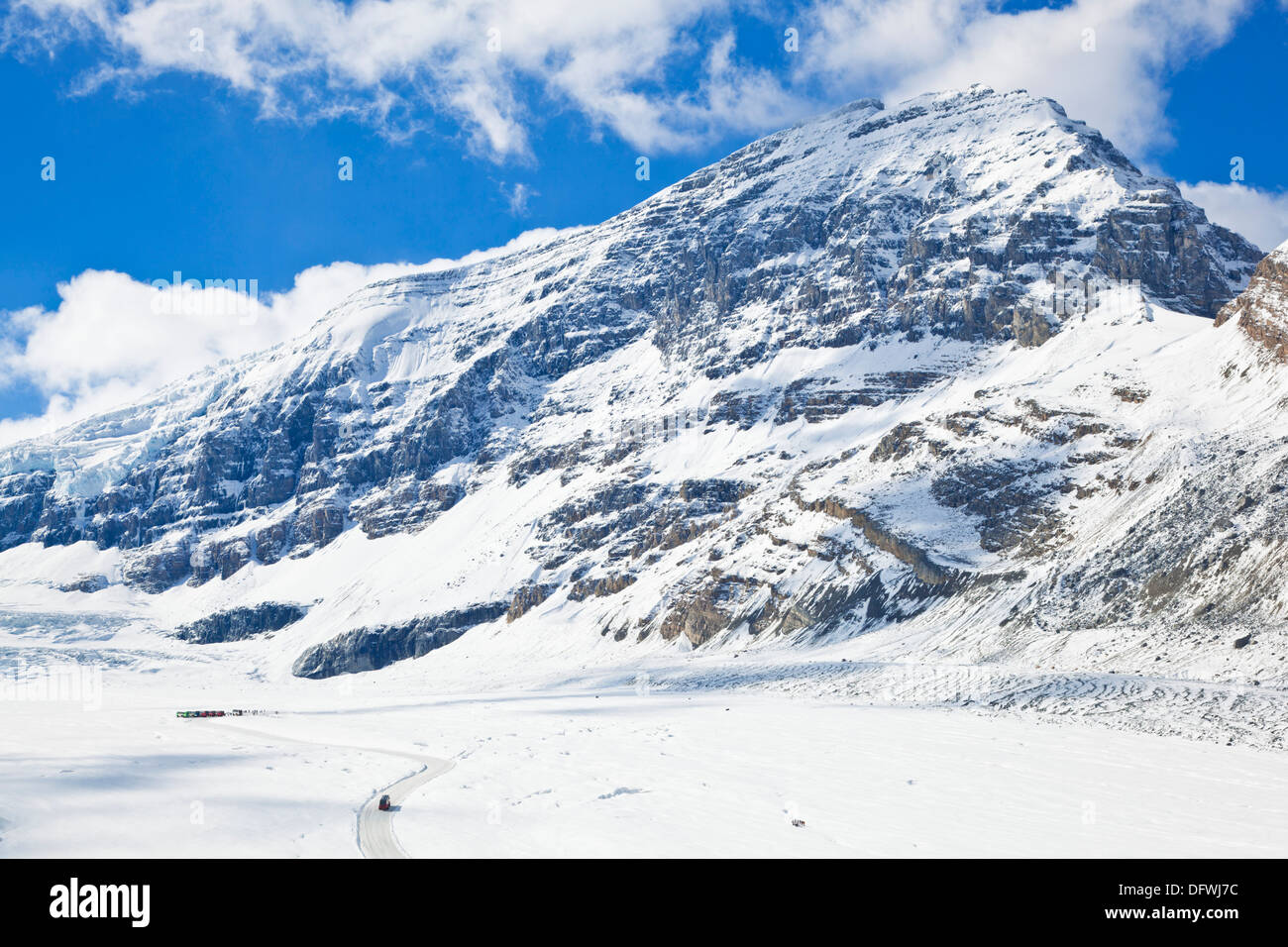 Brewsters Snocoach driving onto the Athabasca glacier Columbia Icefield in Jasper National Park Alberta Canada North America - Stock Image