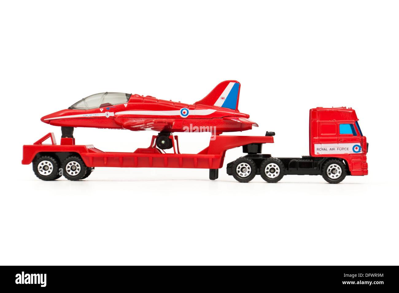 Matchbox (1991) diecast model replica of the BAe Hawk Trainer Mk1 aeroplane on a transporter - Stock Image