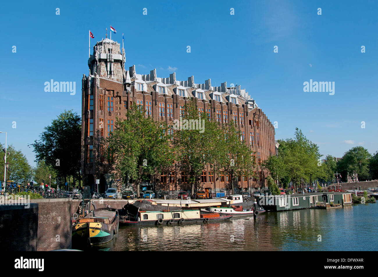 Het Scheepvaarthuis Amsterdam 1913 The Shipping Amsterdam (Amsterdam School architecture style) Waalseilandsgracht - Stock Image