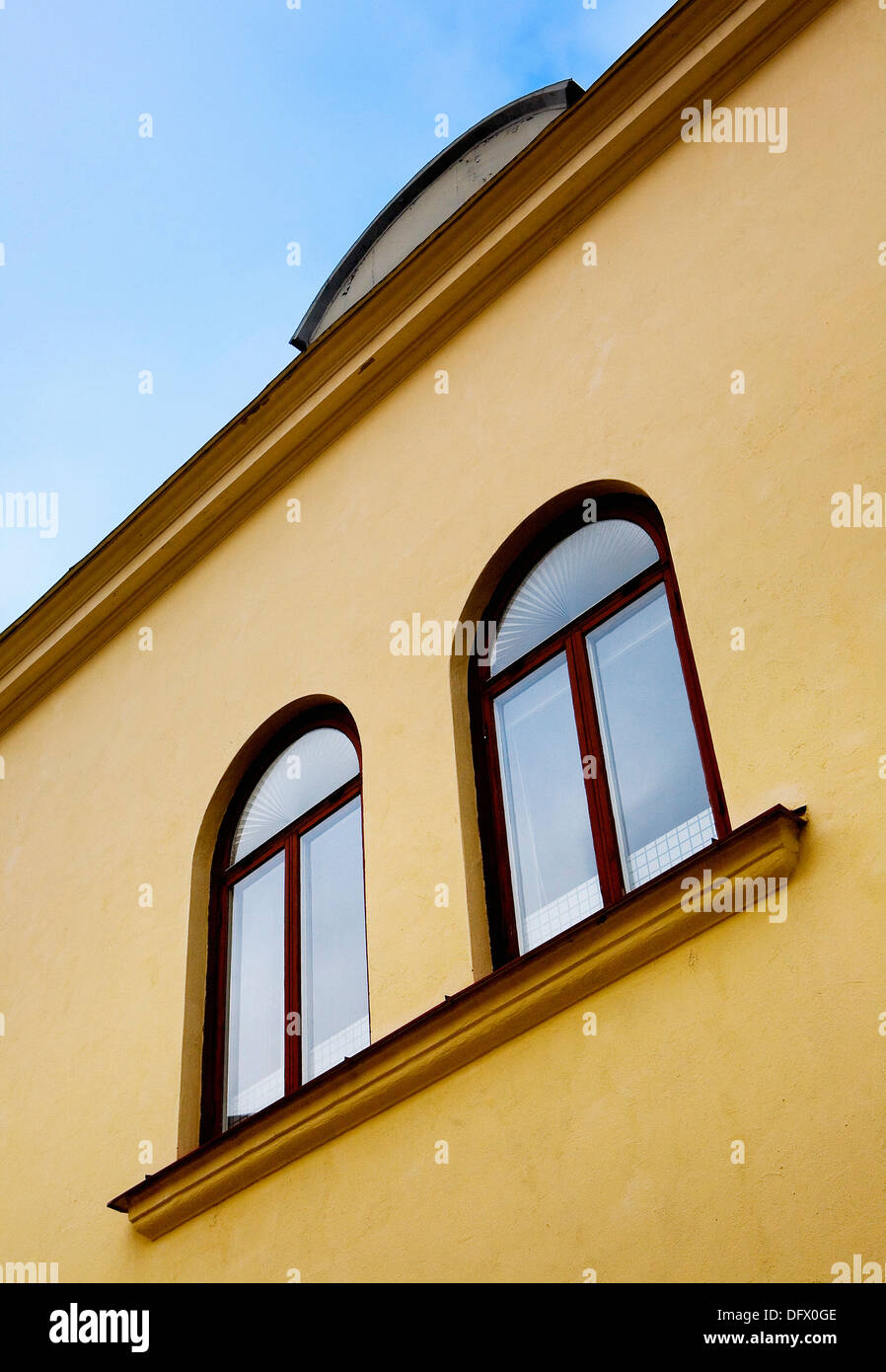 Yellow Arched Wall Stock Photos & Yellow Arched Wall Stock Images ...