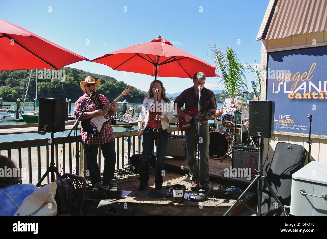 entertainers playing music on sunday on angel Island - Stock Image